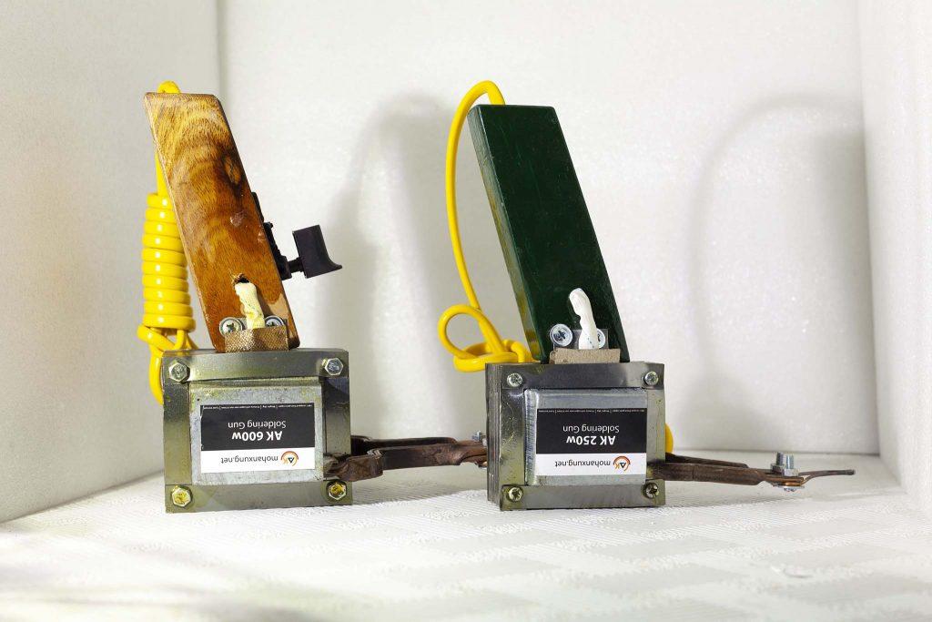 So sánh kích trước của mỏ hàn AK 600w và 250w