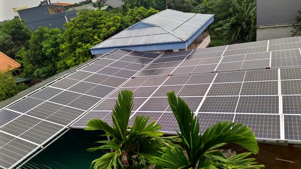 Lắp điện mặt trời áp mái cho gia đình